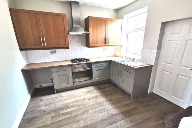 2 Bedrooms House for sale in Goosehill Road, Normanton, West Yorkshire, WF6