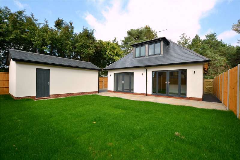 3 Bedrooms Detached House for sale in Oaks Drive, St. Leonards, Ringwood, BH24