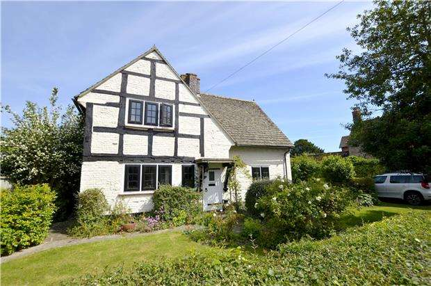 3 Bedrooms Detached House for sale in The Street, Frampton On Severn, GLOUCESTER, GL2 7ED