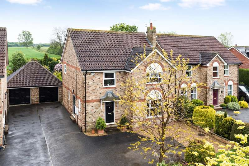 5 Bedrooms Detached House for sale in Viewlands, West Lane, Burn, Selby, YO8 8LR