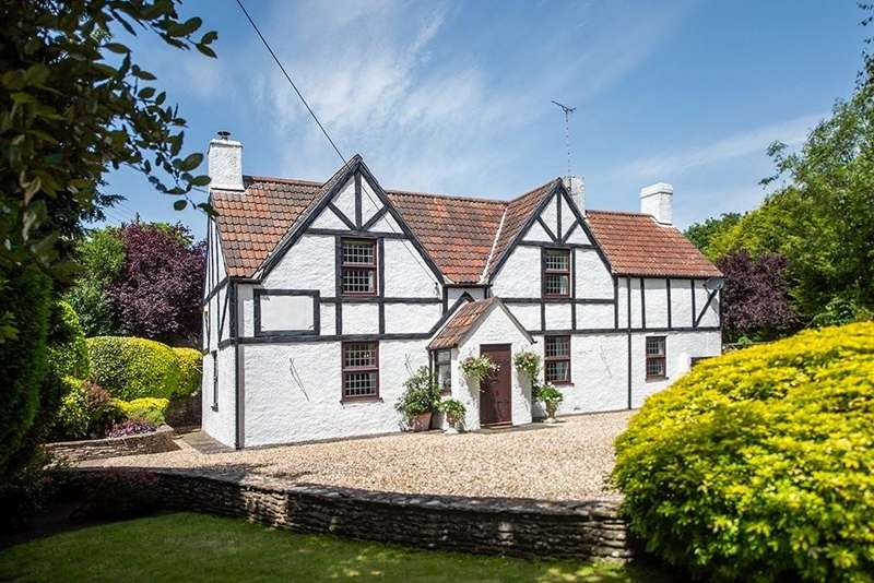4 Bedrooms Detached House for sale in Quarry Barton, Hambrook, Bristol