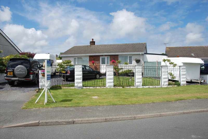 2 Bedrooms Detached Bungalow for sale in Trofa, Penbodeistedd, Cemaes Bay