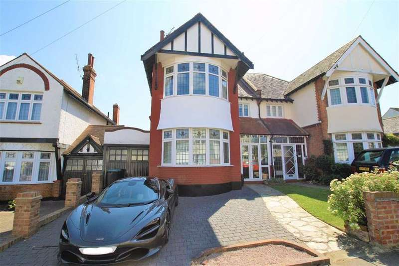 4 Bedrooms Semi Detached House for sale in Hamboro Gardens, Leigh-On-Sea, Essex