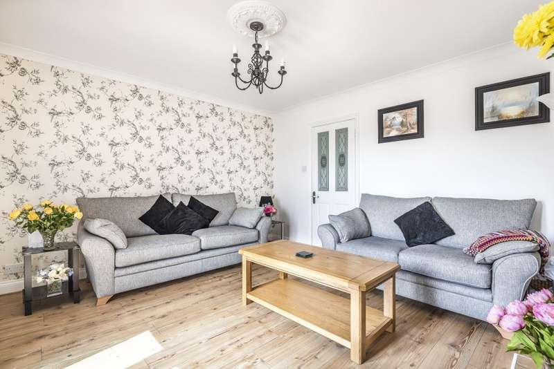 3 Bedrooms House for sale in Gaywood Drive, Newbury, RG14