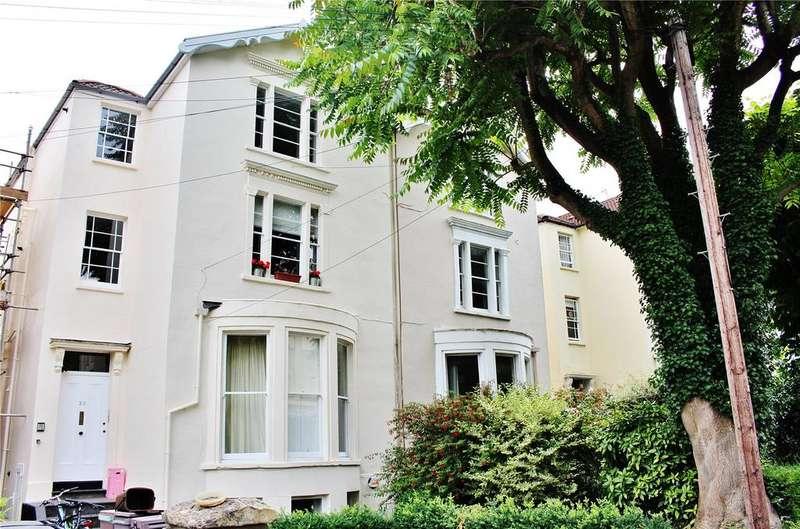 2 Bedrooms Apartment Flat for sale in Hampton Park, Bristol, Somerset, BS6