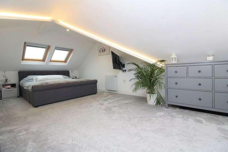 3 Bedrooms Terraced House for sale in Frankel Way, Biggleswade, SG18
