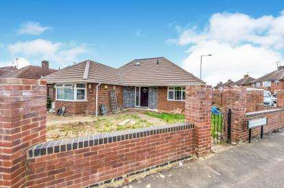 6 Bedrooms Bungalow for sale in Wadhurst Avenue, Luton, Bedfordshire, .