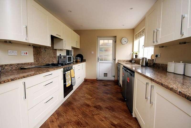 4 Bedrooms Detached House for sale in Riverside, Shefford, SG17
