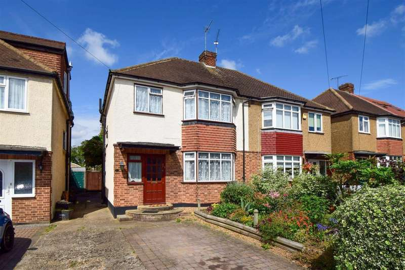 3 Bedrooms Semi Detached House for sale in Westlands Avenue, Slough, SL1