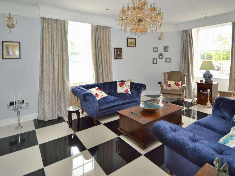 5 Bedrooms Detached House for sale in Sevenoaks Road, Orpington BR6