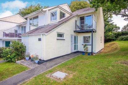 3 Bedrooms End Of Terrace House for sale in Ffordd Hebog, Y Felinheli, Gwynedd, LL56