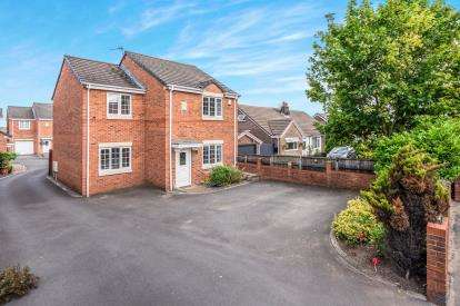 4 Bedrooms Detached House for sale in The Stocks Court, Lowton, Warrington, Greater Manchester