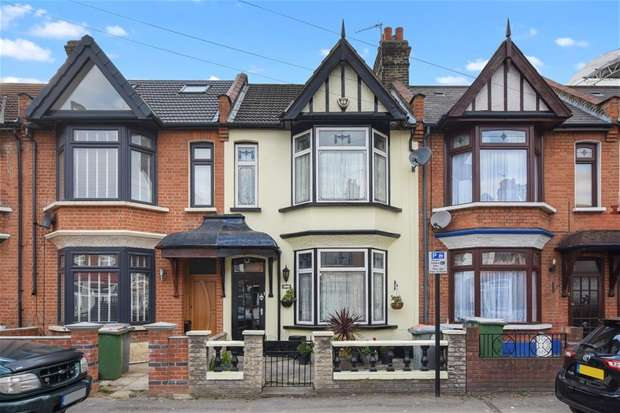 3 Bedrooms House for sale in Hatherley Gardens, London