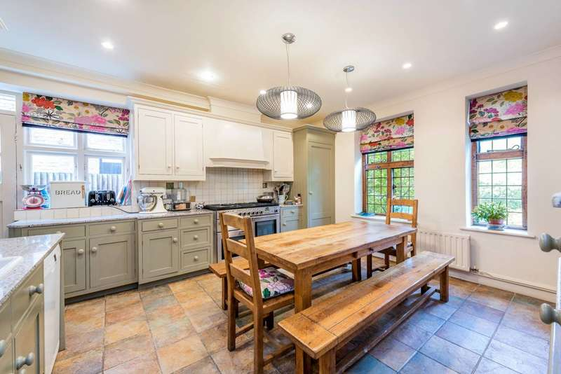 6 Bedrooms Semi Detached House for sale in Heath Close, Hampstead Garden Suburb, NW11