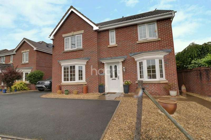 4 Bedrooms Detached House for sale in Chartist Rise, Monmouth
