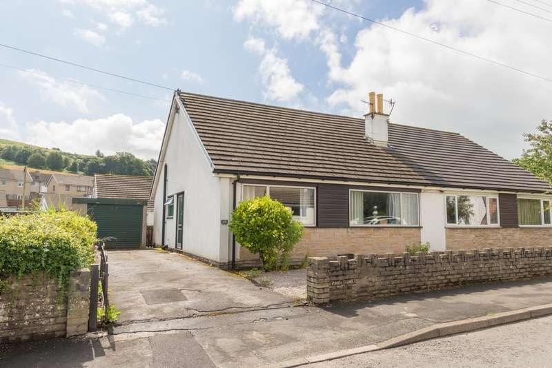 3 Bedrooms Semi Detached Bungalow for sale in 29 Helmside Road, Oxenholme, Kendal, Cumbria, LA9 7ET