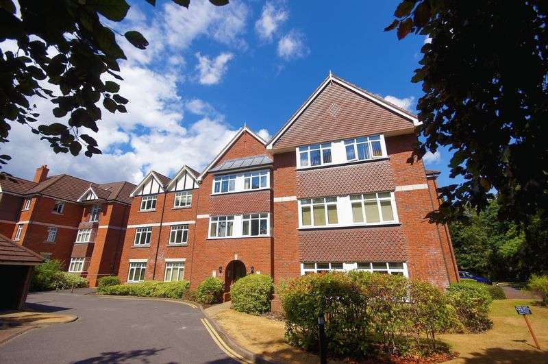 2 Bedrooms Property for rent in Trinity Court, The Academy, Moseley