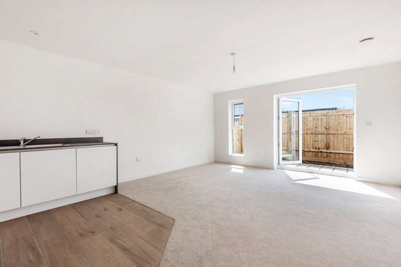 2 Bedrooms Property for sale in Portslade