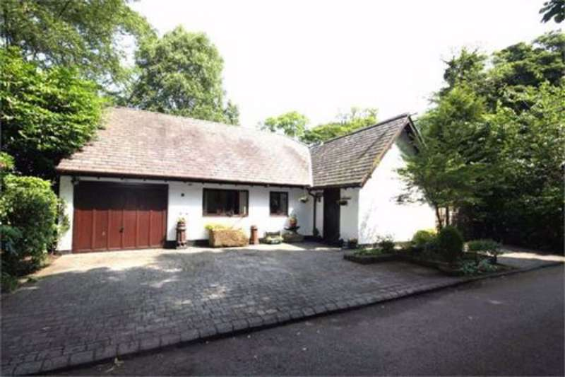 3 Bedrooms Detached Bungalow for rent in Ballam Road, Lytham