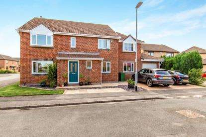 4 Bedrooms Detached House for sale in Daltry Close, Yarm, Stockton On Tees