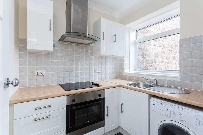 2 Bedrooms Flat for sale in Glengate, Kirriemuir, Angus, DD8 4HD