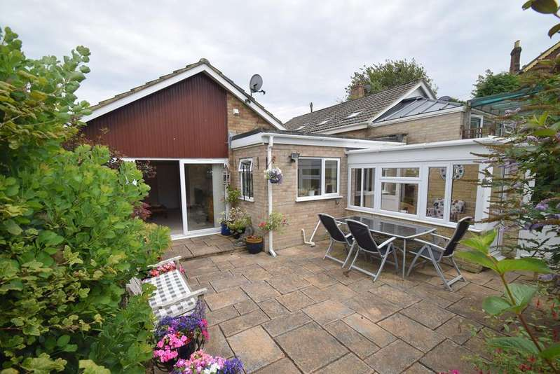 2 Bedrooms Detached Bungalow for sale in Orchard Lane, Brimscombe, Stroud, GL5