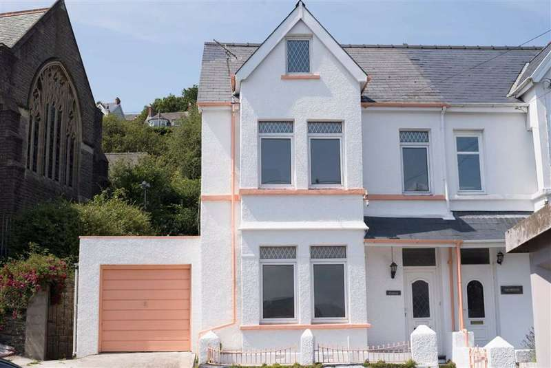 5 Bedrooms End Of Terrace House for sale in Church Terrace, Goodwick