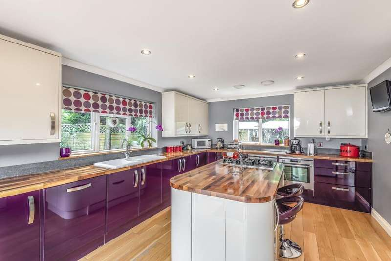 4 Bedrooms Detached Bungalow for sale in Cholsey Road, Thatcham, RG19