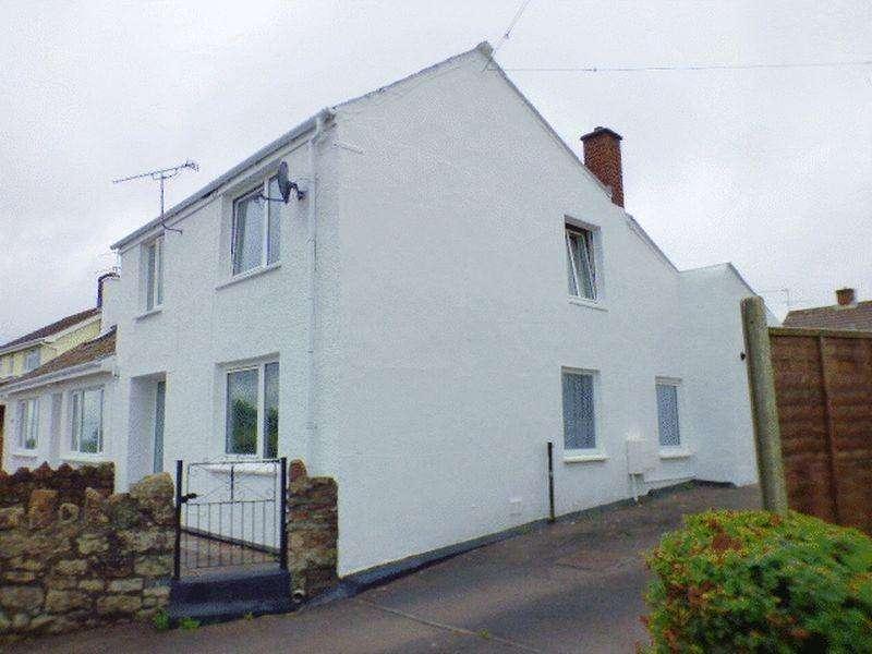 3 Bedrooms Semi Detached House for sale in Littledean Hill Road, Cinderford
