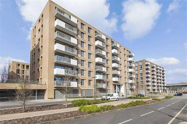 1 Bedroom Apartment Flat for sale in Meadow Court, E16