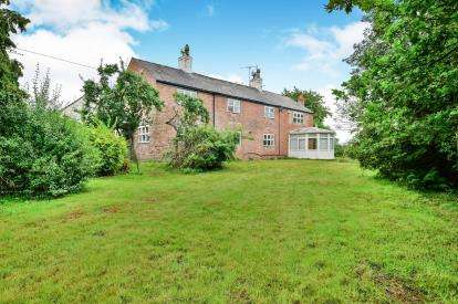 4 Bedrooms Detached House for sale in Carr Lane, Alderley Edge, Cheshire, Uk