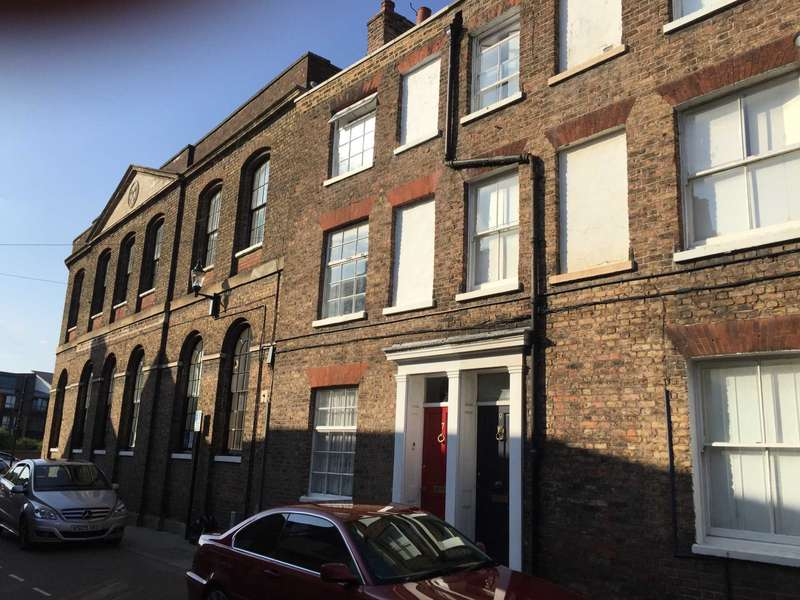 3 Bedrooms Town House for sale in Hill Street, Wisbech PE13