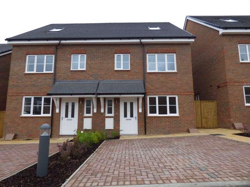 3 Bedrooms Semi Detached House for rent in Sackville Road, Luton