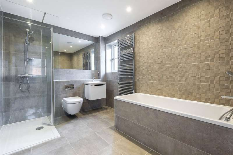 4 Bedrooms Semi Detached House for sale in Church Street, Crowthorne, Berkshire, RG45
