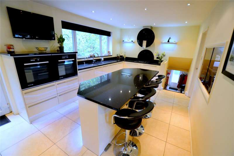 5 Bedrooms Detached House for sale in Hurn Road, Ringwood, Hampshire, BH24