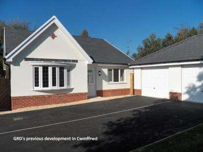 3 Bedrooms Bungalow for sale in Morgan Court, Llangunnor, Carmarthen