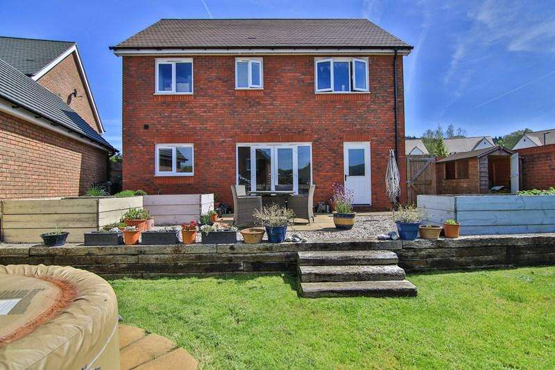 4 Bedrooms Detached House for sale in Kidnalls Drive, Whitecroft, Lydney