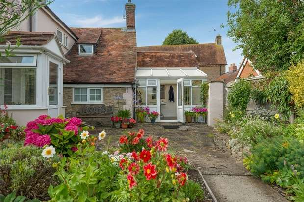 3 Bedrooms Cottage House for sale in Thornhill Road, Stalbridge, Sturminster Newton, Dorset