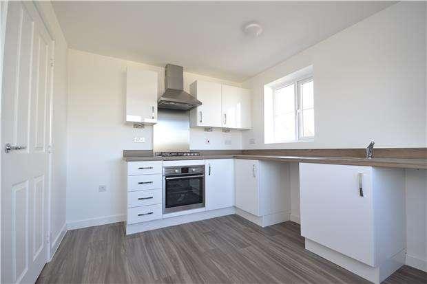 4 Bedrooms Semi Detached House for rent in Vale Road, Bishops Cleeve, GL52 8ER