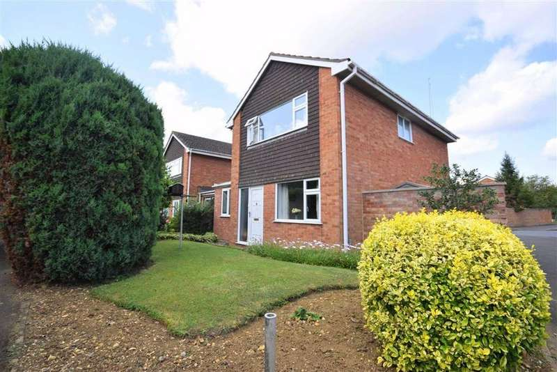 3 Bedrooms Detached House for sale in Kerstin Close, Cheltenham, Gloucestershire
