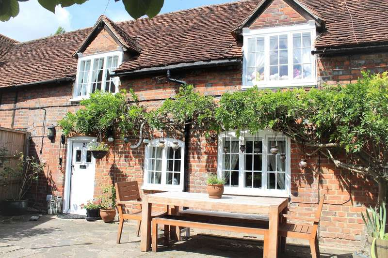3 Bedrooms Cottage House for sale in Marlow Road, Bisham