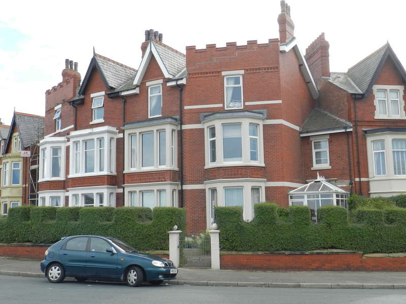 6 Bedrooms Terraced House for sale in Mount Road, Fleetwood