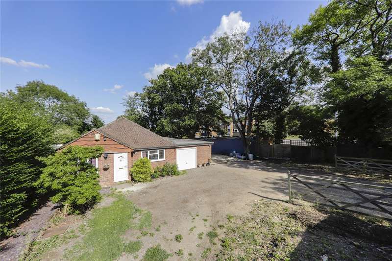 4 Bedrooms Bungalow for sale in Terrace Road South, Binfield, Bracknell, Berkshire, RG42