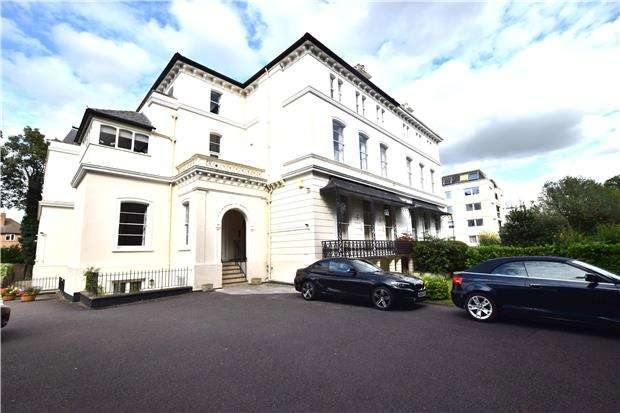 2 Bedrooms Flat for sale in Pittville Circus Road, CHELTENHAM, Gloucestershire, GL52 2QH