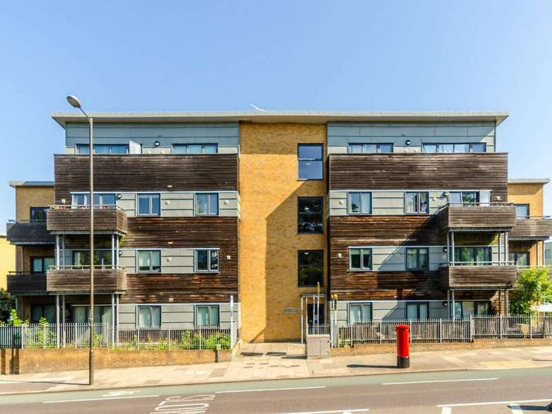 1 Bedroom Penthouse Flat for sale in Charlton Road, Charlton SE7