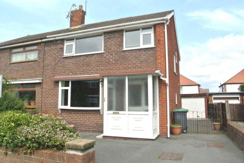 3 Bedrooms Semi Detached House for sale in Hillcrest Road, Blackpool, FY4 1QT