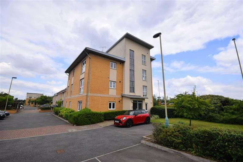 2 Bedrooms Apartment Flat for sale in Gemini Close, Cheltenham, Gloucestershire