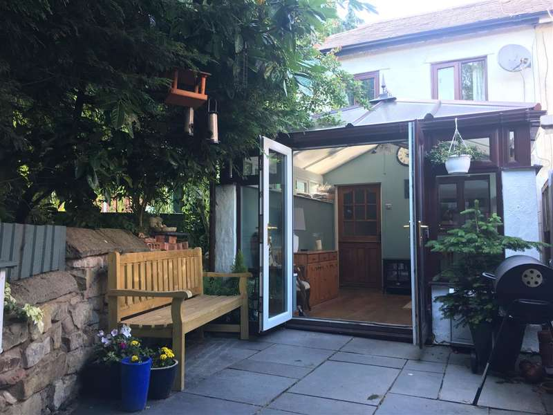 2 Bedrooms Semi Detached House for sale in The Walks, Bridge Street, Ruabon