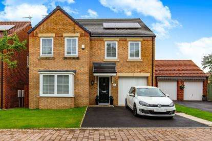 4 Bedrooms Detached House for sale in West Wood Drive, Middlesbrough