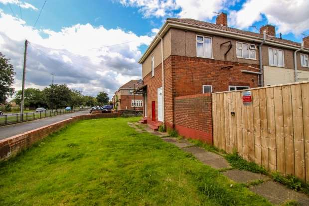 3 Bedrooms Semi Detached House for sale in Garston Grove, Hartlepool, Durham, TS25 1HL